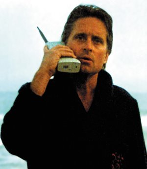 michael_douglas_cellphone2